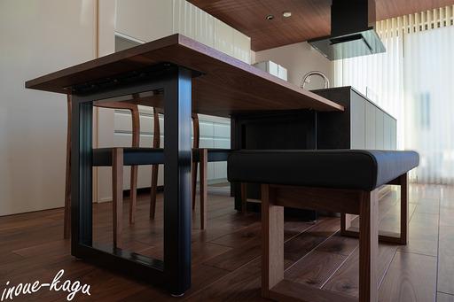 マスターウォールワイルドウッドダイニングテーブル5.jpg