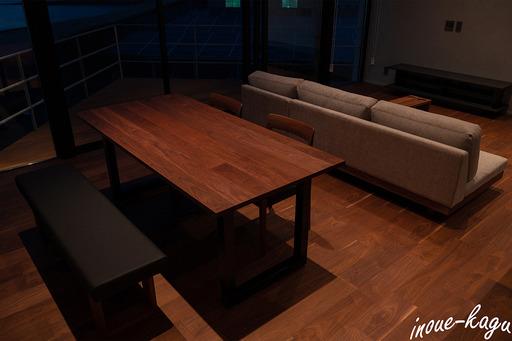 ワイルドウッドダイニングテーブル12.jpg
