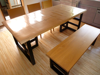 ダイニングテーブル1.jpg