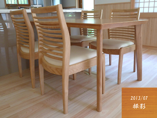 201307_ダイニングテーブル2.jpg